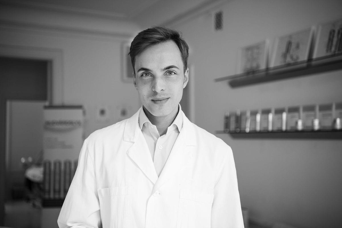 Hudläkare Christoph Martschin